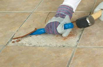 Instructions to Replace a Cracked Ceramic Tile